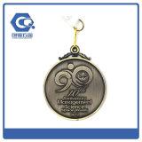 Gancho Running da medalha do esporte do revestimento feito sob encomenda do bronze do metal