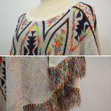 Le donne Mew poncio lavorato a maglia lanuginoso di disegni