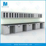 Volle Stahllaborwerkbank mit Fach