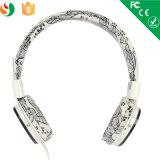 Alta qualità della fabbrica di Shenzhen sopra la cuffia all'ingrosso stereo della cuffia avricolare collegata orecchio del telefono mobile