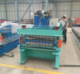 820機械を形作る鋼鉄屋根瓦