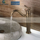 Hohes antikes Bassin Tap&Faucet für Badezimmer