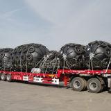 Guardabarros de goma de neumático de Yokohama en proyectos de Petróleo y Gas