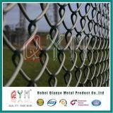 Top에 경기장 Chain Link Fence Installed 날카롭 철사