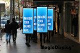 Светодиодный индикатор на улице в нескольких минутах ходьбы рекламных щитов и освещения в салоне