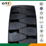 スキッドの雄牛のタイヤのフォークリフトの自動車両の固体タイヤ(8.25-12 8.25-20 7.50-20)
