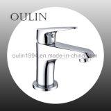 À la mode du bassin en laiton à poignée unique robinet mélangeur//tap