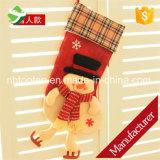 Il natale d'attaccatura del regalo 3D della Santa delle decorazioni delle calze di natale colpisce con forza il regalo della caramella