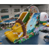 Un stock forêt Diapositive gonflable, 7*3,5*5m Inflatable Toboggan aquatique avec piscine, les loyers commerciaux Diapositive de l'eau
