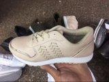 Спорт обувает ботинки вскользь ботинок женщины Stock