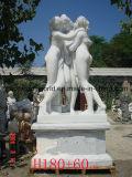 Beroemde Drie vereren het Beeldhouwwerk van het Standbeeld