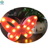 A Modelagem de borboletas noite a luz de LED da lâmpada para decoração