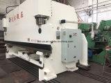 Buigende die Machine wordt gebruikt om Vloeistaal (WE67K-300/6000) te buigen