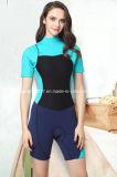 女性のための2mmのネオプレンの不足分の袖の潜水服のサーフのウェットスーツ