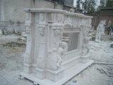 Camino di pietra bianco moderno con la scultura