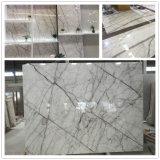 イタリアCalacattaの白い大理石は浴室または壁または床の内部の石造りのタイルをタイルを張る