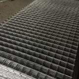 溶接された金網のパネルを補強する鋼鉄