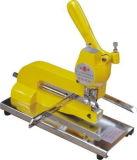 Oeillet manuelle de perforation dans une bonne qualité de la machine