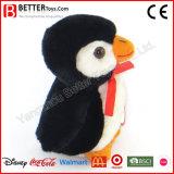 Les cadeaux de promotion ont bourré le jouet de peluche de pingouin pour des gosses