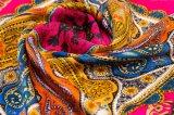 個人化されたアートワーク100%の絹のスカーフ