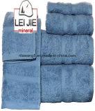 熱い販売の中国語はほとんどの柔らかく、吸収性の浴室タオル卸し売りする