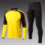 Fato de desporto vermelho do futebol do amarelo novo do preto azul do projeto