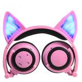 Auriculares de encargo vendedores calientes Bluetooth sin hilos del oído de gato del receptor de cabeza de la marca con la luz del LED