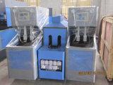 Полуавтоматная машина дуновения бутылки отливая в форму