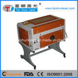 máquina plástica do CNC do gravador do laser do CO2 50W com boa qualidade