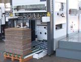 De automatische Flatbed Scherpe Machine van de Matrijs voor Van golfkarton met de VoorVoeder van het Lood