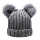 chapeaux tricotés parhiver de femmes de mode avec des Beanies de Pompom de fourrure