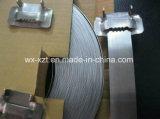 Het zwarte Roestvrij staal dat van de Strook van het Staal de Band van de Verpakking vastbindt