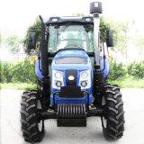 Huaboの真新しい農場の耕すトラクター