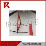 De hoge Weerspiegelende Rode Verkeersteken van de Waarschuwing van de Auto van de Driehoek