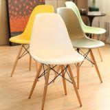يتعشّى [إمس] جانب قشرة قذيفة كرسي تثبيت منتصفة قرن ساق خشبيّة أبيض بلاستيكيّة بيتيّة