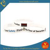 Bracelet en caoutchouc estampé blanc de silicones d'anniversaire de qualité de Chine