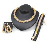 Insieme caldo dei monili dell'orecchino del braccialetto di disegno della maglia della collana dei monili