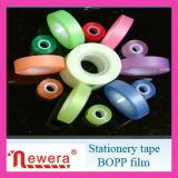 Cinta a base de agua del papel del pegamento de la película de BOPP para el embalaje del regalo