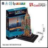 Puzzle della carta di architettura delle Empire State Building 3D con la luce del LED