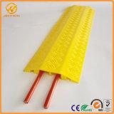 De draagbare Plastic Gele Beschermer van de Kabel van 2 Kanaal Indoor&Outdoor