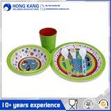 Jeu multicolore respectueux de l'environnement de couverts de gosses de mélamine de dîner de vaisselle