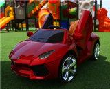 El juguete teledirigido eléctrico del niño de los nuevos productos embroma el coche eléctrico