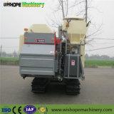 小さい穀物タンクが付いている軍事大国のコンバイン収穫機