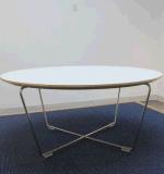 2 vectores y sillas modernos de cena de la persona