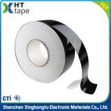 Sola cinta adhesiva echada a un lado del lacre del papel de Crepe