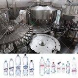Automatique de la bouteille de jus d'eau pure de l'Énergie Minéraux CSD boire de la bière de faire le remplissage de l'embouteillage de boissons le matériel de fabrication en usine