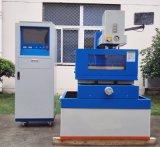 Décharge électrique de haute précision sur le fil machine de coupe