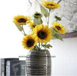 I girasoli di seta di tocco magico per la fabbrica artificiale dei girasoli dei fiori di seta poco costosi di falsificazione della decorazione di cerimonia nuziale dirigono