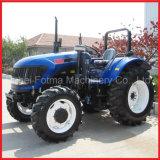 農場のFotma動かされた90HPのトラクター(FM904)