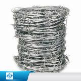 塀のためのロールまたは有刺鉄線ごとの熱浸された電流を通されたかみそりの有刺鉄線か有刺鉄線の価格